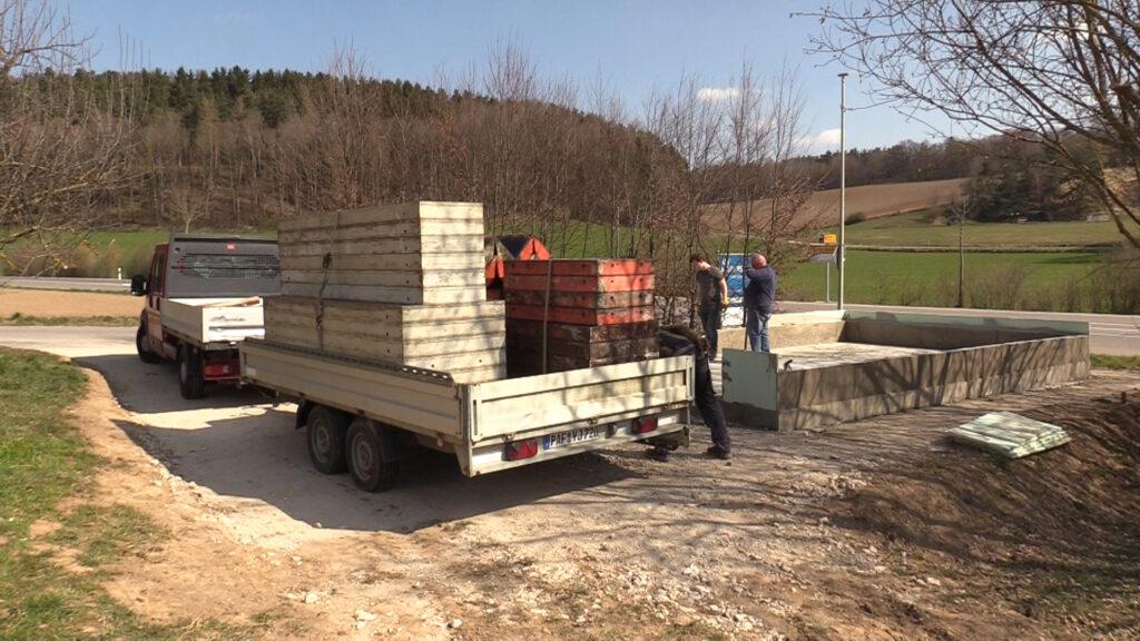 04. April - Die Verschaltung ist fertig für den Abtransport